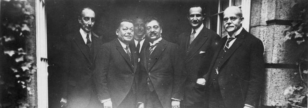 Wohltätigkeits-Festessen im Adlon, Berlin, mit dem amerikanischen Wohltäter Prof. Baruch, Reichspräsidenten Ebert und Reichskanzler Marx